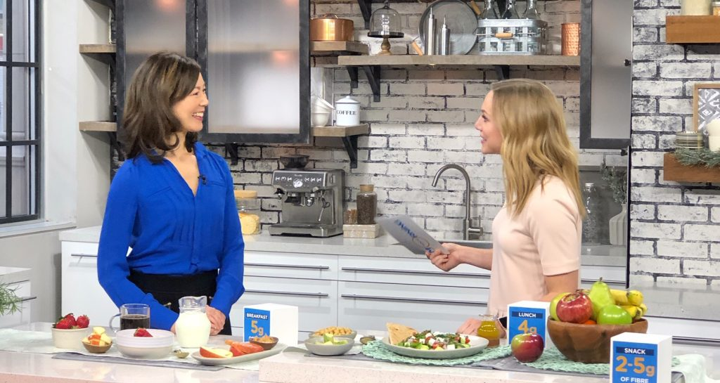 Dietitian Sue Mah talking to TV host about fibre