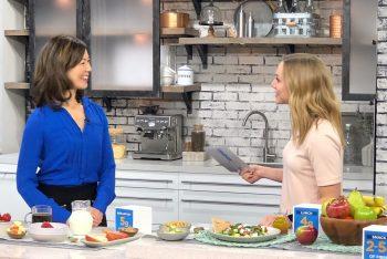 Dietitian Sue Mah talking to TV host about fibre